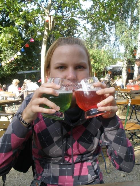 Roza in zeleno pivo